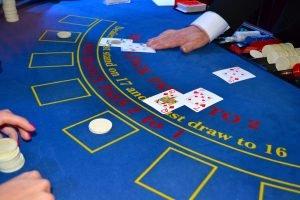 Life_Lessons_From_An_Ex_Blackjack_Dealer